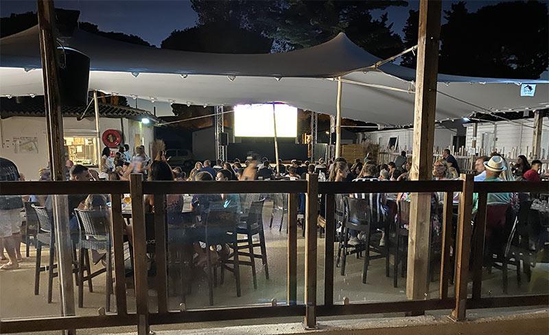 Maiana-Restaurant-scene-02.jpg