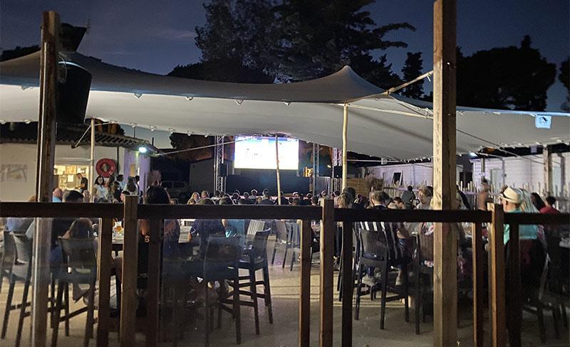 Maiana-Restaurant-scene.jpg