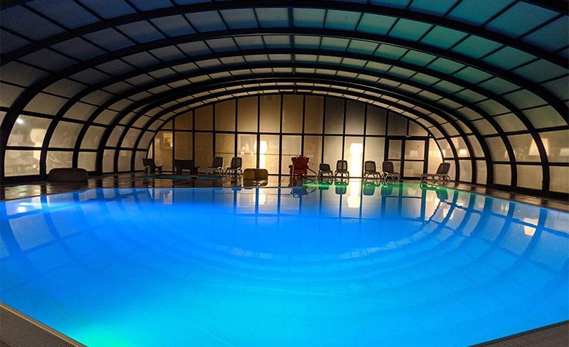 Moricq-piscine-couverte-nocturne-02.jpg