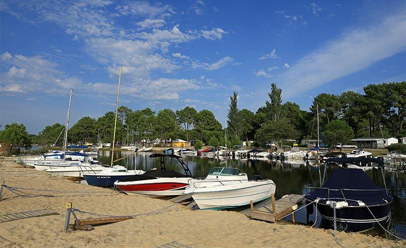 Navarrosse-bateaux-plage.jpg