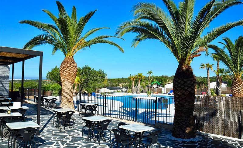 Orangeraie-Terrasse-piscine.jpg