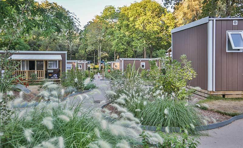 Petit-Rocher-allee-camping-MH.jpg