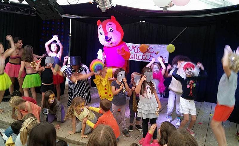 Pins-d'Oleron-Club-enfants-Mascotte-01.jpg