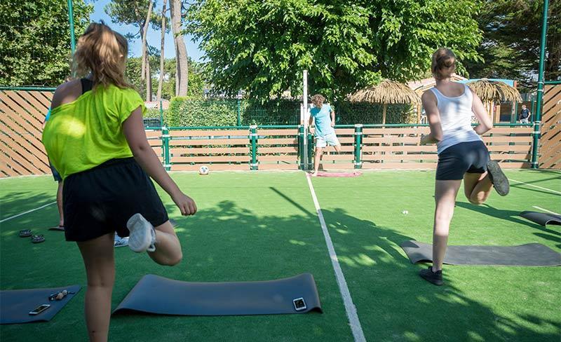 Pomme-de-pin-Cours-gym-01.jpg