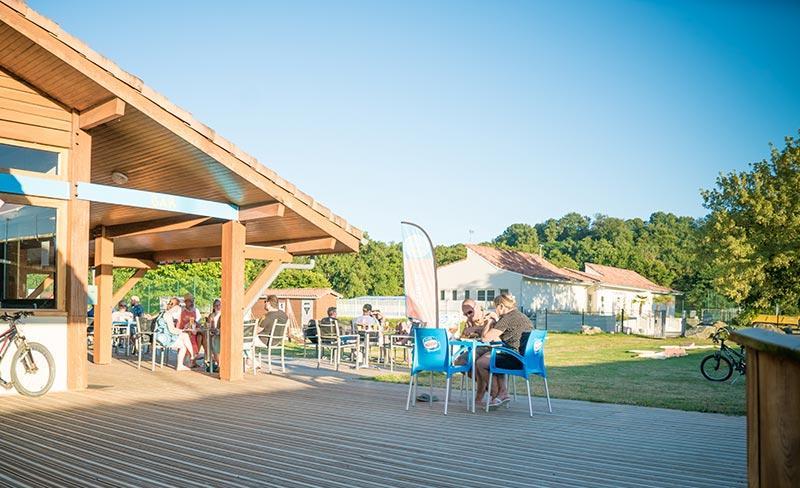 Rives-de-l'Adour-Terrasse-bar.jpg