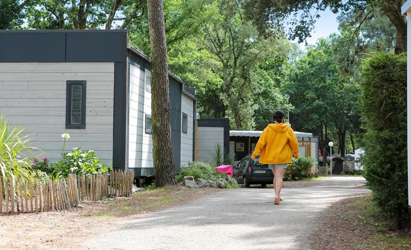 Rochelets-Allee-camping-01.jpg