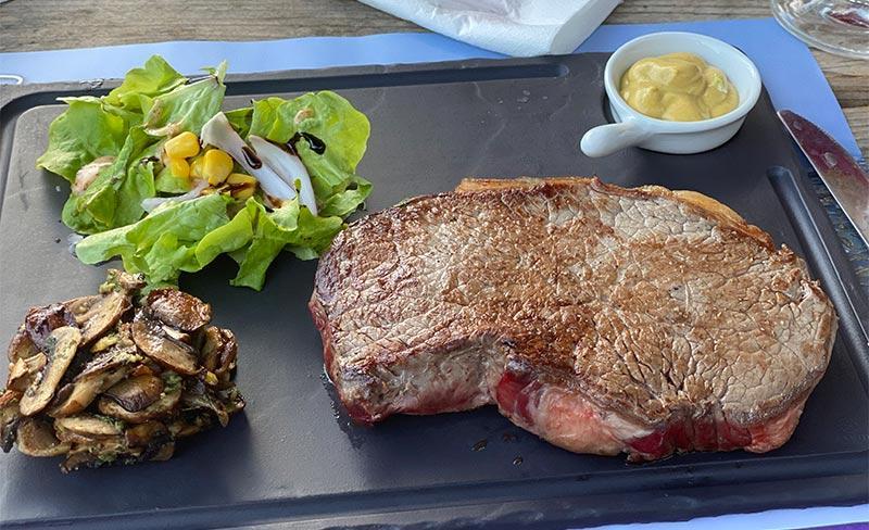 Rochelets-Restaurant-02.jpg