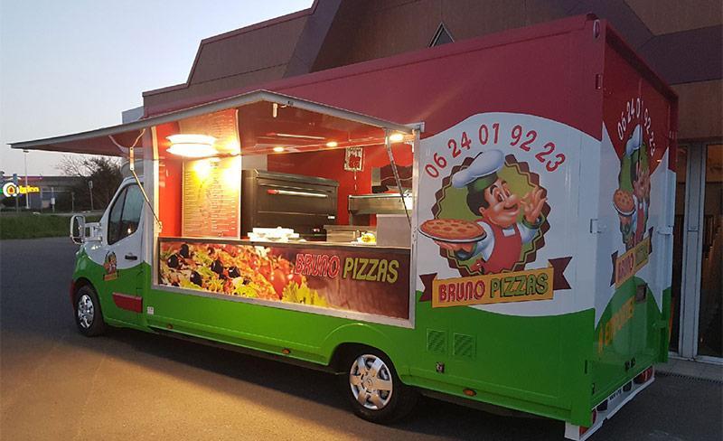 Saint-Hubert-pizza-truck.jpg