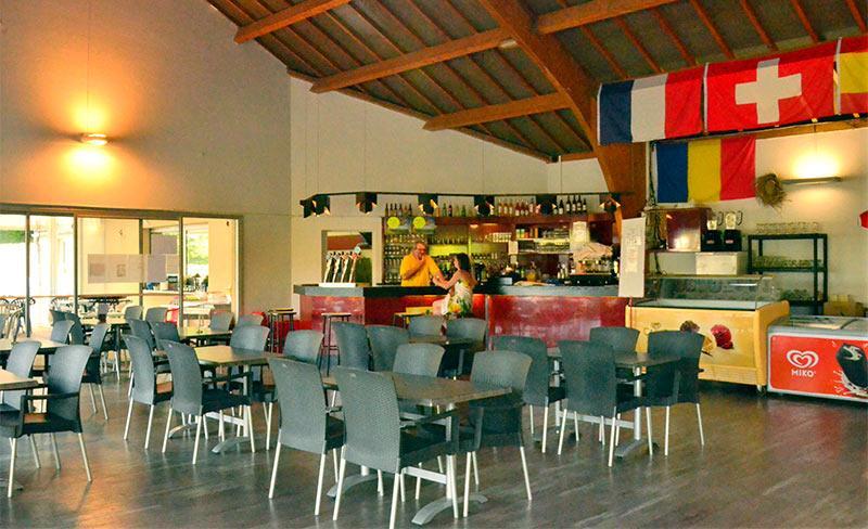 Terrasses-du-lac-Restaurant.jpg