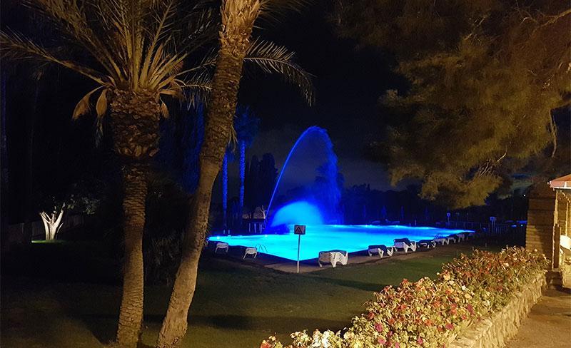 Villanova-Park-piscine-nocturne-01.jpg