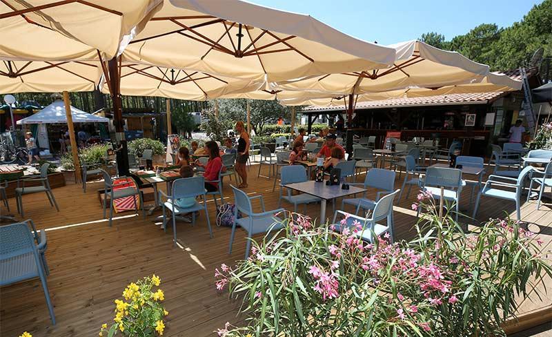Vivier-Biscarrosse-Restaurant-terrasse.jpg