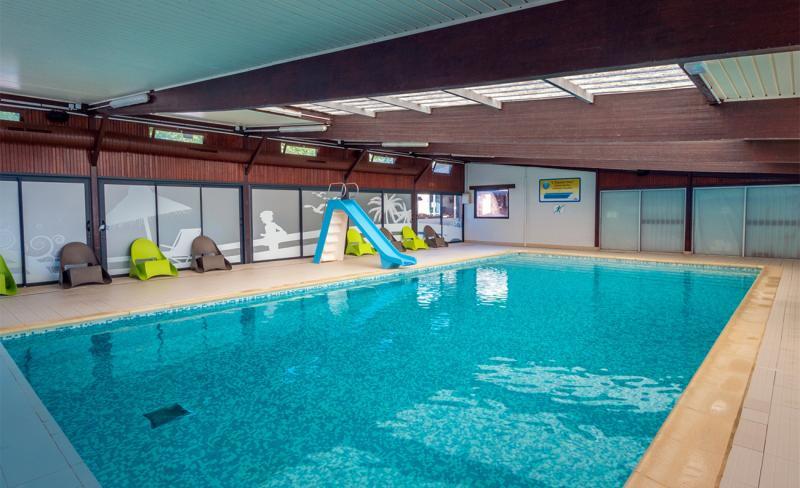 abri-de-camargue-02-09-2020-gh56362-piscine-interieur.jpg