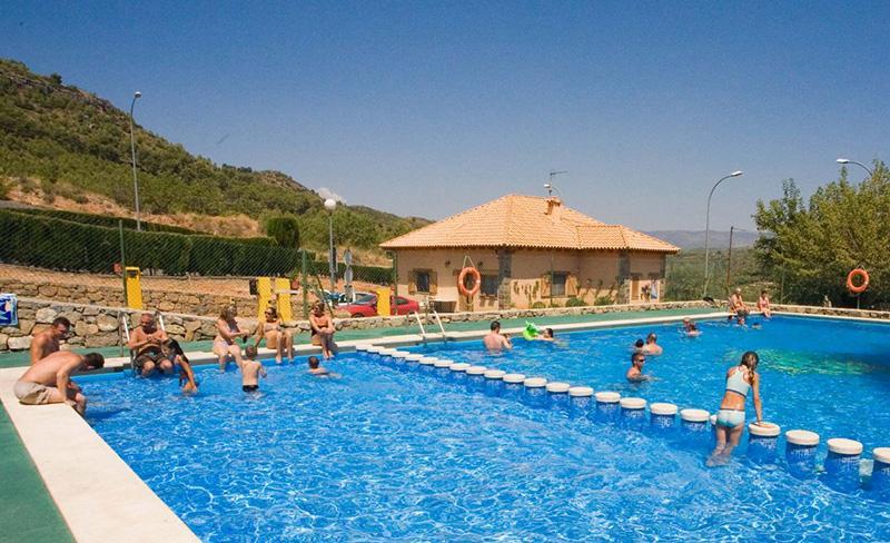 camping-altomira-navajas-piscine