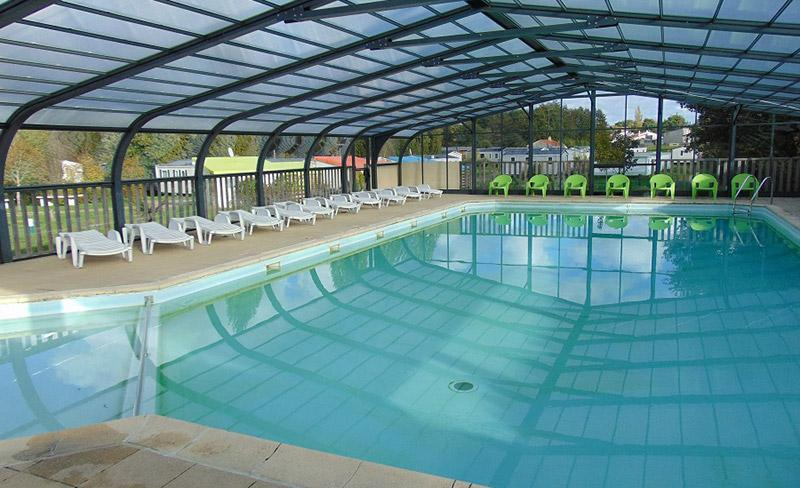 camping-beauchene-interieur-piscine-couverte