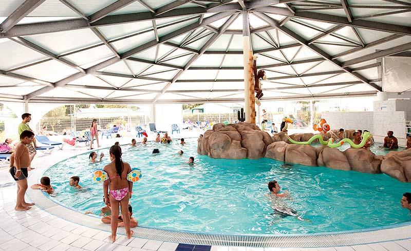 Camping bel air mobil home l 39 aiguillon sur mer 85460 for Camping royan piscine couverte