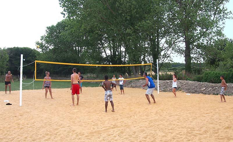 camping-bel-air-olonne-beach-volley