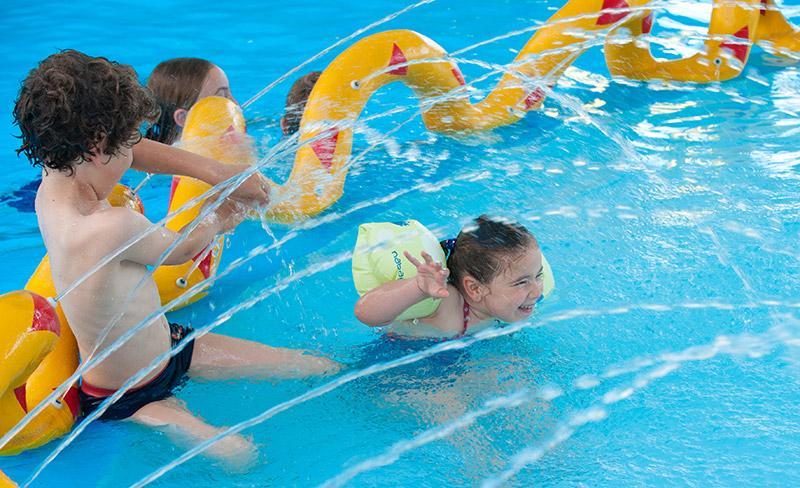 camping-bel-air-olonne-pataugeoire-jeux-piscine-couverte
