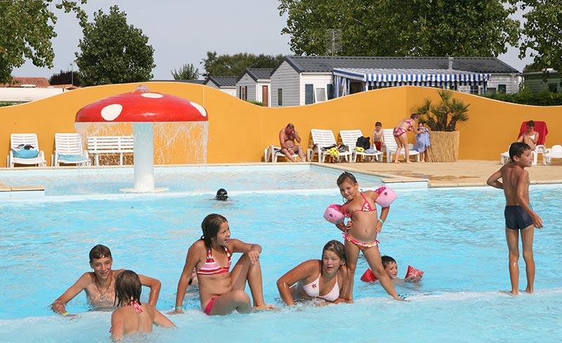 camping-bel-air-olonne-piscine-enfants.jpg