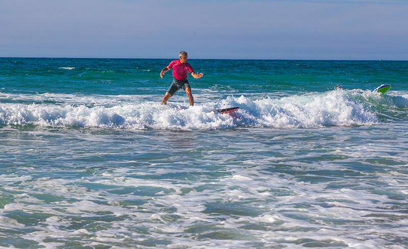 camping-blue-ocean-activites-surf