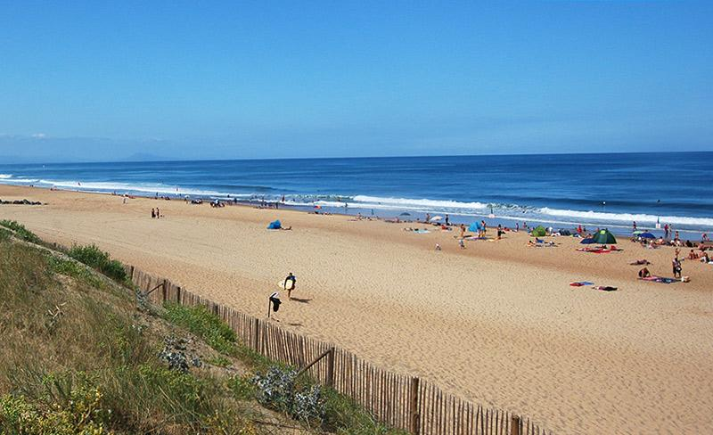 camping-blue-ocean-plage