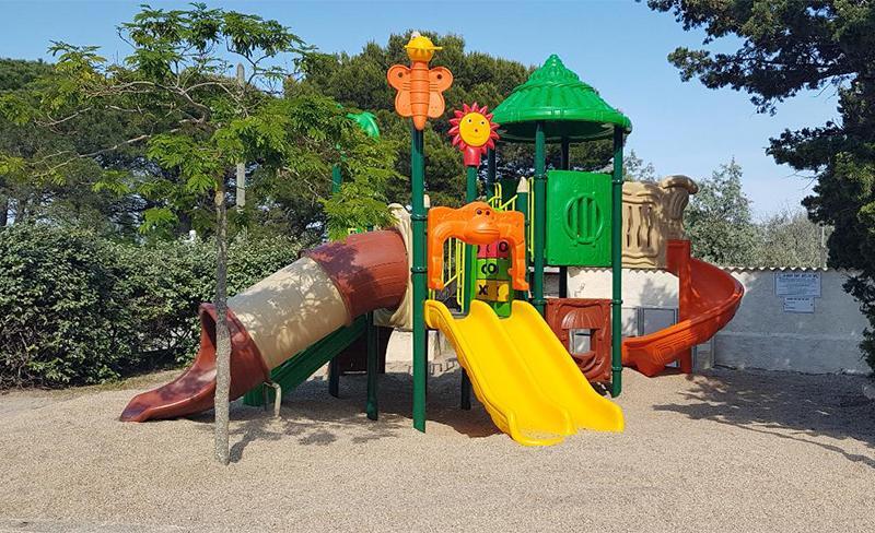 camping-cap-du-roc-jeux-enfants-4.jpg