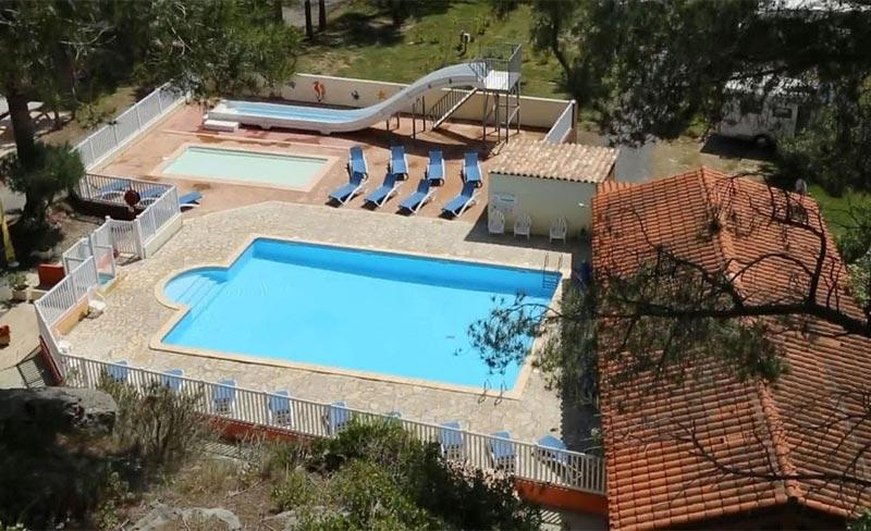 camping-cap-du-roc-vue-aerienne-piscine