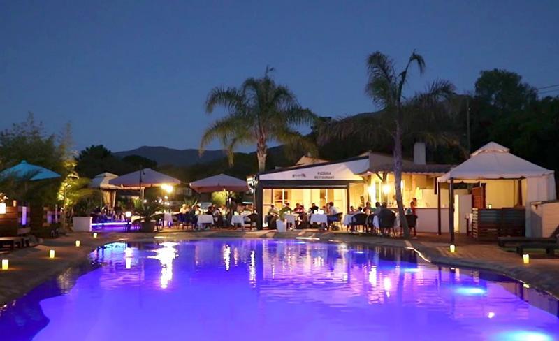 camping-colomba-services-restaurant-soir.jpg
