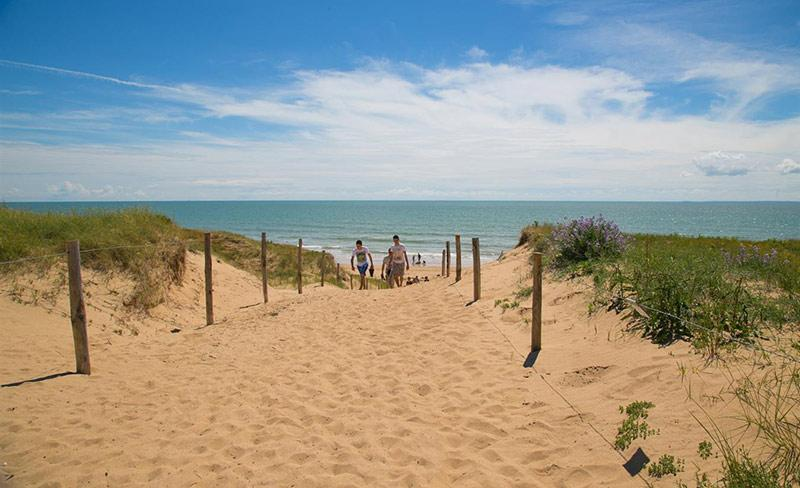 camping-cote-plage-200m-plage