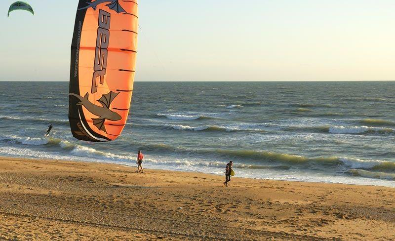 camping-cypres-saint-gilles-vendee-kitesurf.jpg