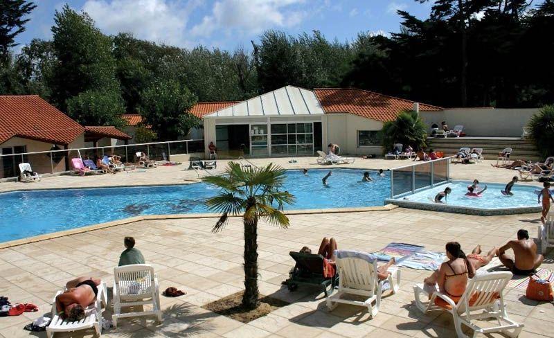 camping-cypres-saint-gilles-vendee-piscine-enfants