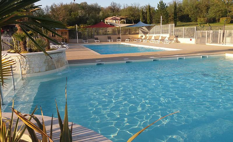 camping-domaine-la-faurie-piscine-2018