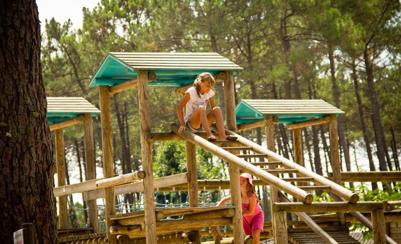 camping-dune-de-contis-aire-de-jeux-enfants