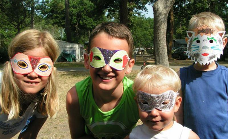camping-fontaine-vieille-animation-masques-3-.jpg