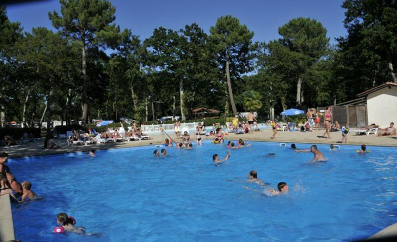camping-fontaine-vieille-grand-bassin.jpg