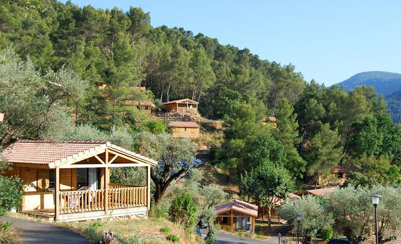 camping-galoubet-environnement-chalet