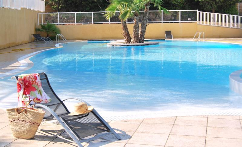 camping-galoubet-piscine-ambiance