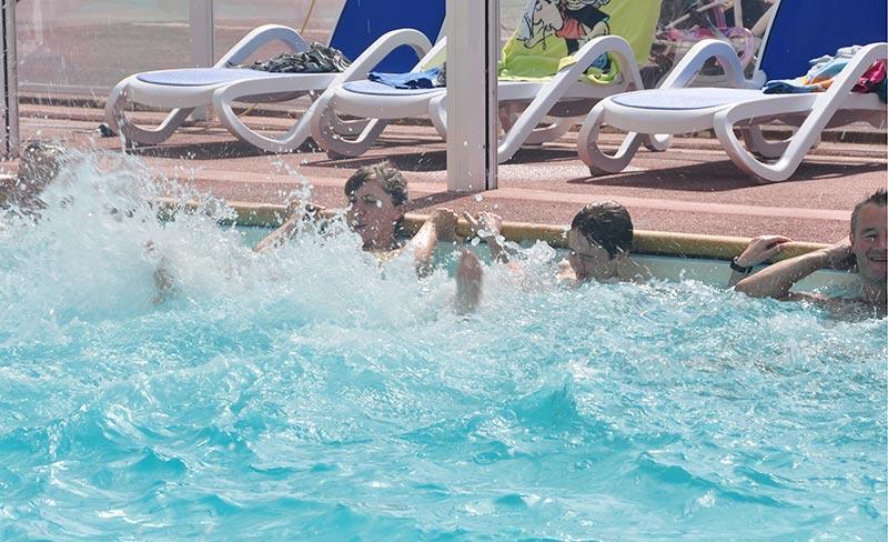 camping-golf-barneville-piscine