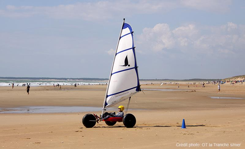 camping-jard-tranche-sur-mer-vendee-char-a-voile