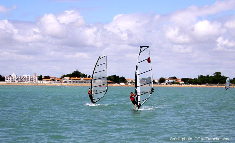 camping-jard-tranche-sur-mer-vendee-planche-voile