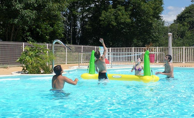 camping-kersentic-fouesnant-jeux-piscine