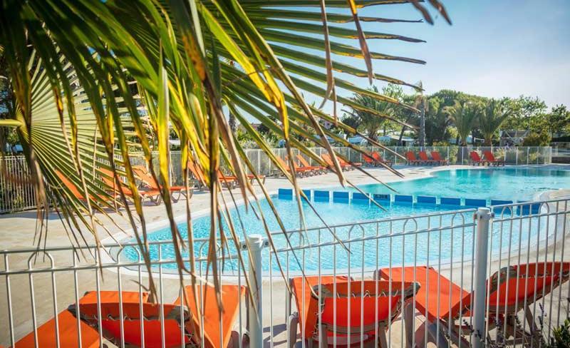 camping-la-clape-piscine-exterieure (4).jpg