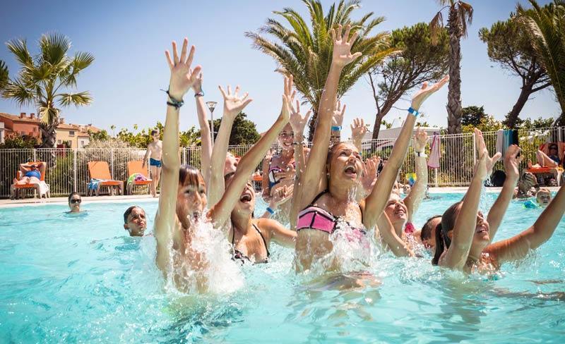 camping-la-clape-piscine-exterieure (5).jpg