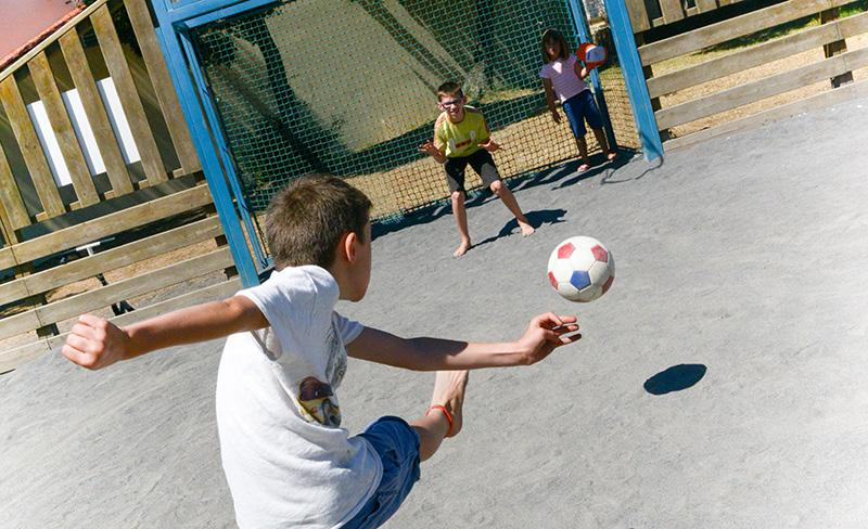 camping-la-paree-preneau-sport_foot_enfant