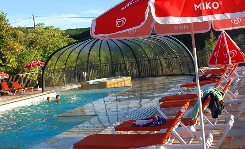 camping-la-sagne-ambiance-piscine
