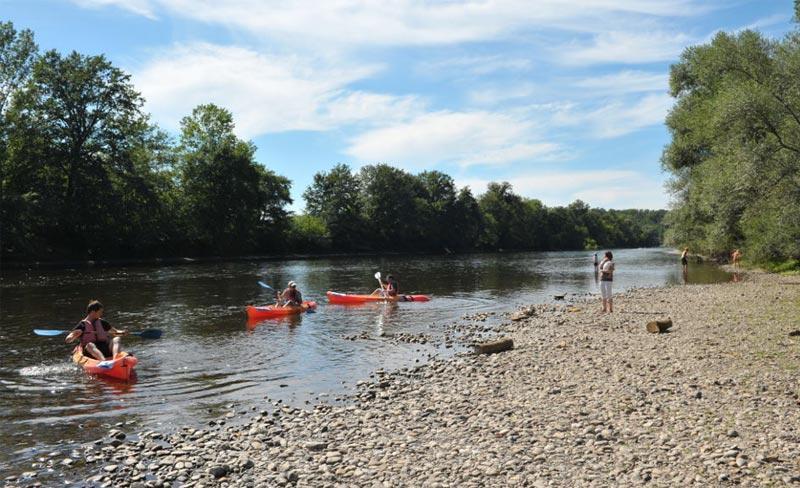 camping-la-sagne-canoe-dordogne.jpg