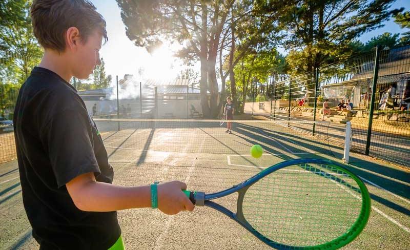 camping-le-fort-espagnol-tennis.jpg