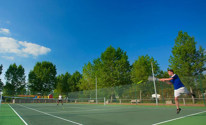 camping-le-jard-loisirs-tennis.jpg