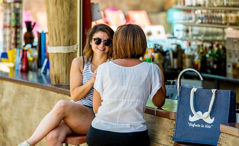 camping-le-littoral-argeles-sur-mer-ambiance-bar