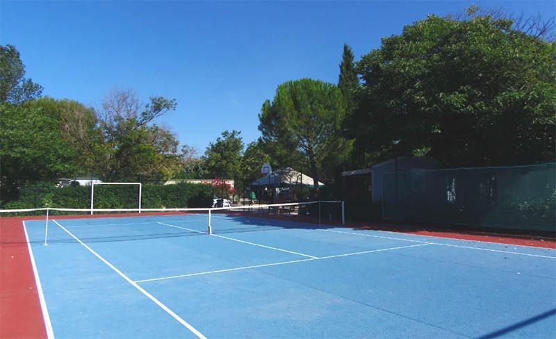 camping-les-amandiers-loisirs-tennis.jpg