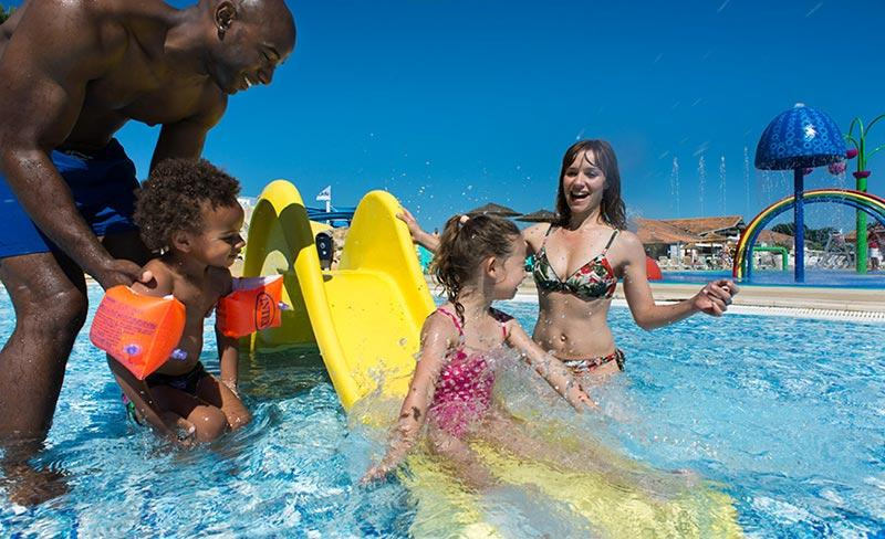 camping-les-charmettes-camping-famille